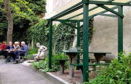 Weinstube Josefstadt Garten (c) STADTBEKANNT Hofinger