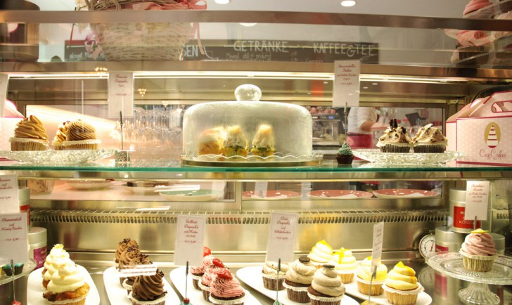 Cupcakes Vitrine (c) Kovacec stadtbekannt.at