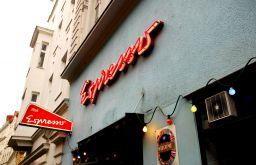 Eingang Espresso (c) Kaltenbacher stadtbekannt