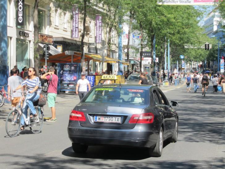 Taxi Fußgängerzone (c) Mehofer stadtbekannt.at