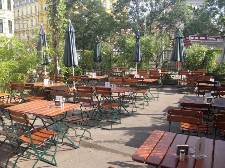 Gasthaus Wild Schanigarten (c) Kovacec stadtbekannt.at