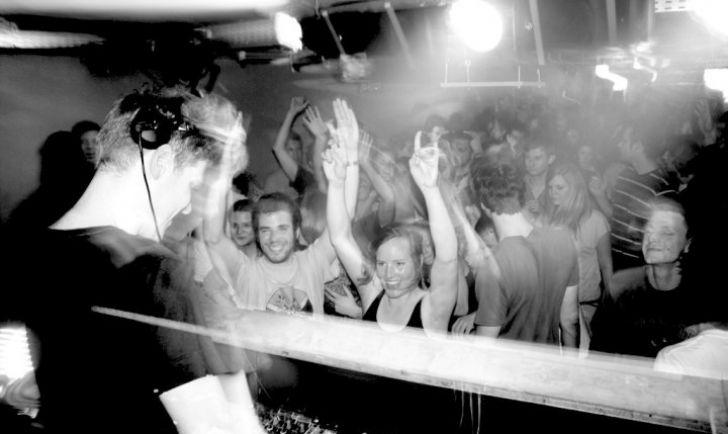 Party (c) The Loft