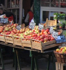 Naschmarkt Apfel (c) Mautner stadtbekannt.at