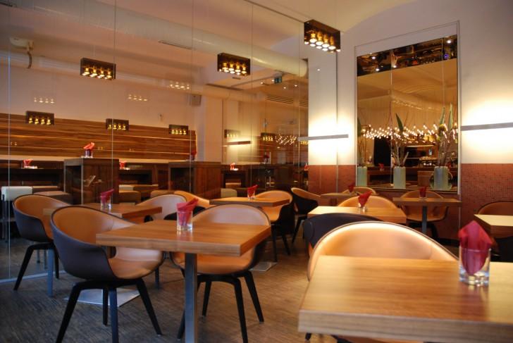 Tische lutz - die bar (c) stadtbekannt.at