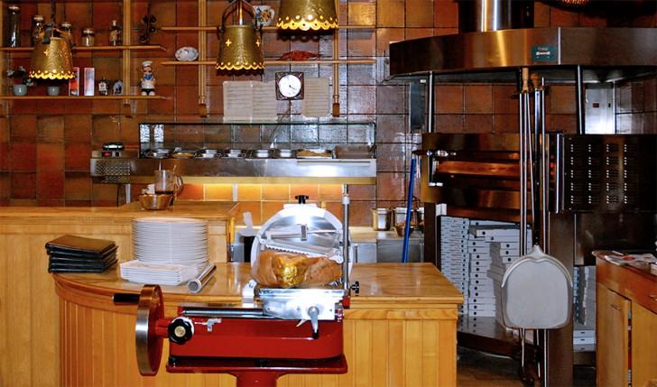 Ristorante Pizzeria Campanile Theke (c) Geiersperger stadtbekannt.at