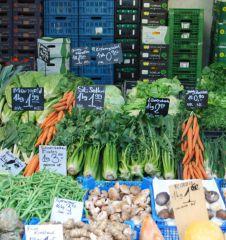 Naschmarkt Gemüse (c) Mautner stadtbekannt.at