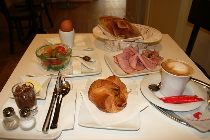 Naschsalon Frühstück (c) Neumann stadtbekannt.at