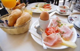 Cafe Votiv Frühstück (c) STADTBEKANNT Voggenberger