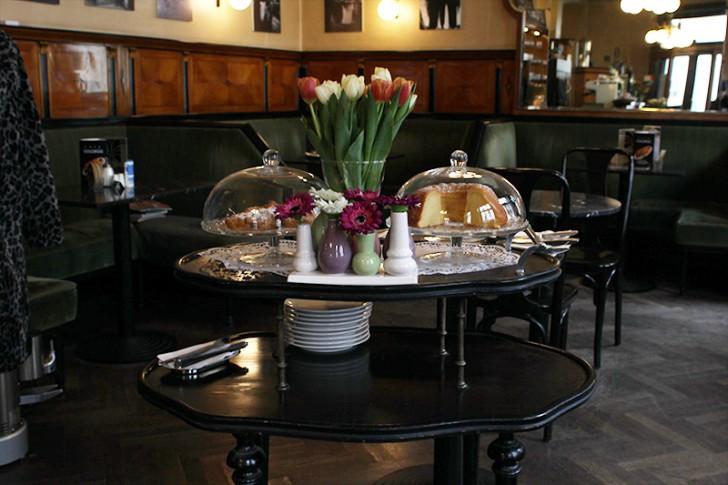 Cafe Goldegg Tisch (c) stadtbekannt.at