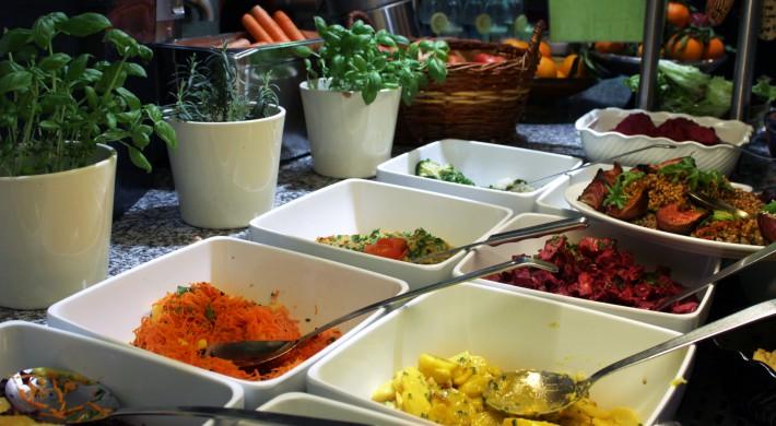 Naturkost St Josef Buffet Salate (c) CF stadtbekannt