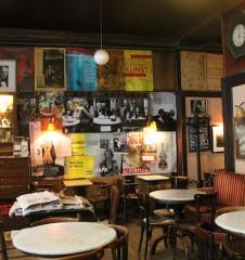 Cafe Hawelka Eingang (c) Margareta Hofinger stadtbekannt.at