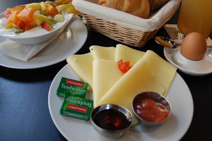 Café Potyka Frühstück Käse (c) STADTBEKANNT