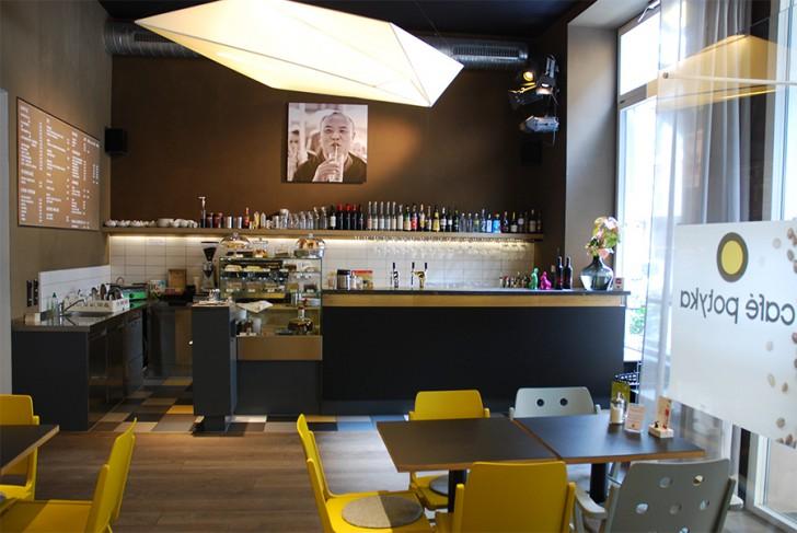 Café Potyka Tische (c) STADTBEKANNT