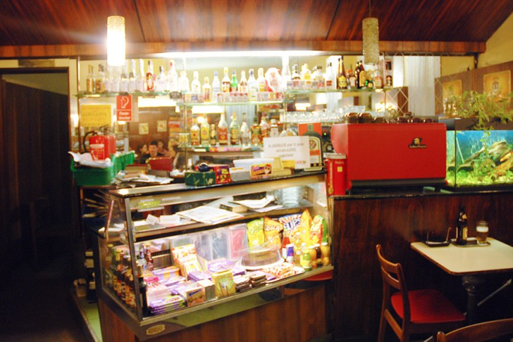 Cafe Sperlhof Theke (c) STADTBEKANNT Voggenberger
