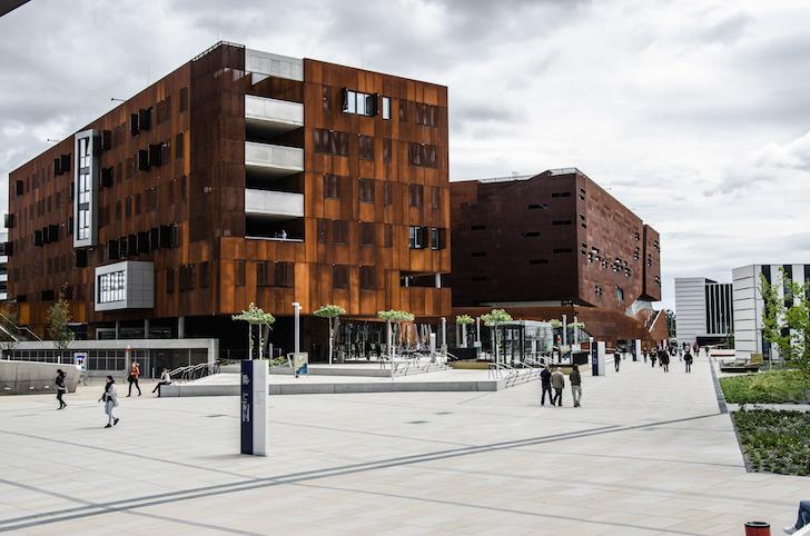 WU Campus Außenansicht (c) STADTBEKANNT