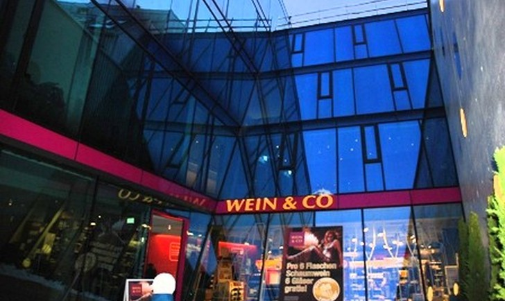 (c) Wein & Co flagship Store