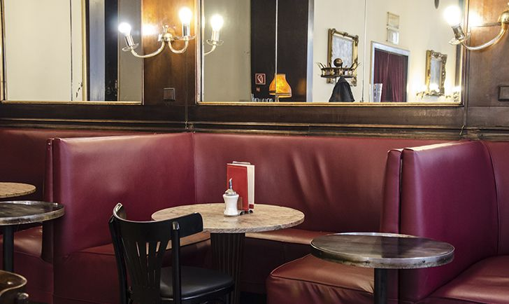 Cafe Ritter Tisch (c) STADTBEKANNT