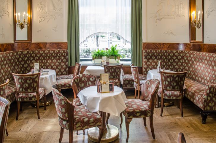 Cafe Landtmann Tisch (c) stadtbekannt.at