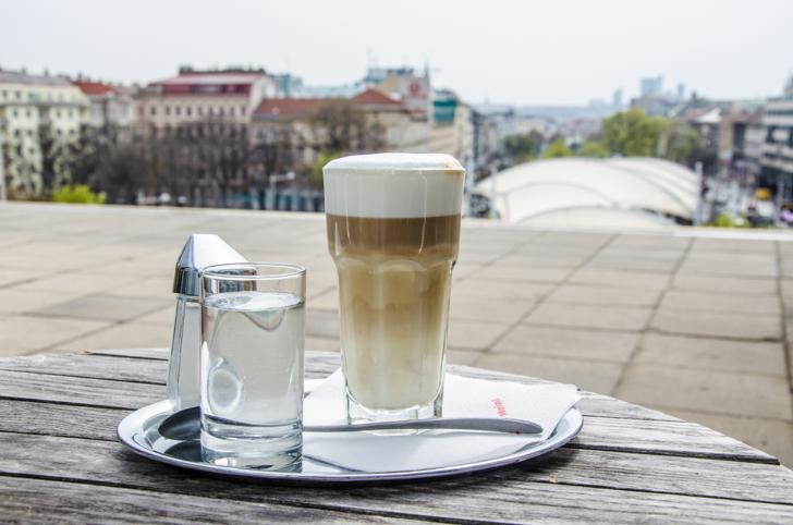 Cafe Restaurant OBEN Kaffee (c) STADTBEKANNT