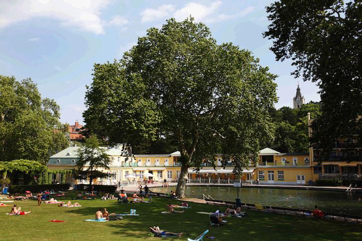 (c) Thermalbad Vöslau