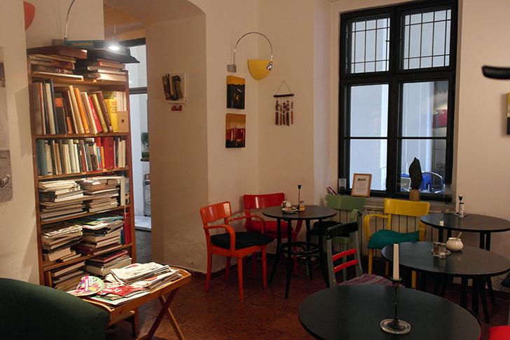 Freiwilliger Durchgang Lerchenfelder Straße 13 Cafe Kandinsky (c) STADTBEKANNT Zohmann
