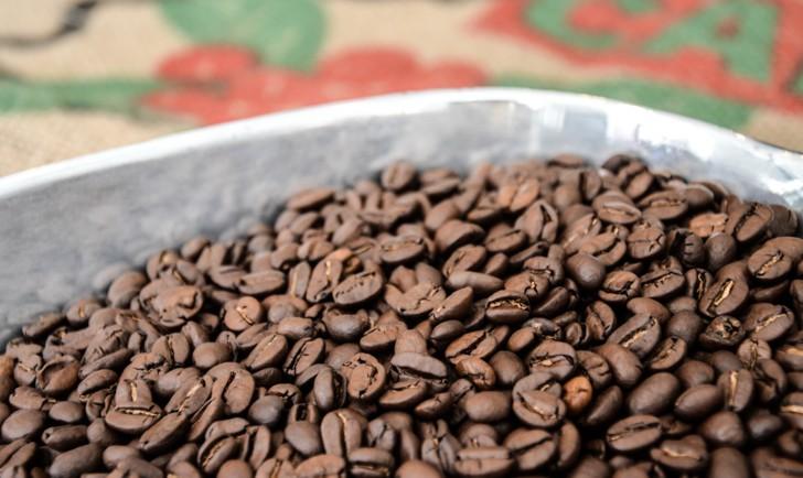 Kaffeeroesterei Brasil fertige Kaffeebohnen, Foto: STADTBEKANNT