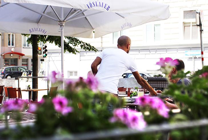 Salzberg Bar Restaurant Gastgarten (c) STADTBEKANNT