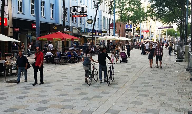 Mariahilfer Straße (c) STADTBEKANNT Zucker