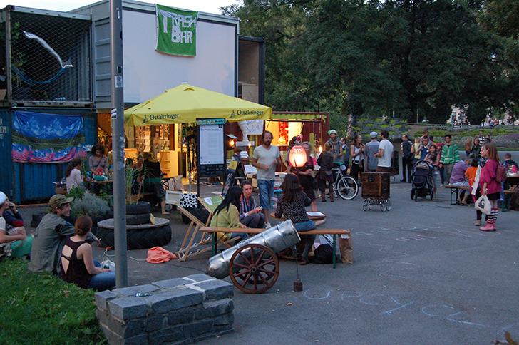 Stand Buskers-Festival 2014 Trash Bar (c) STADTBEKANNT Buchinger