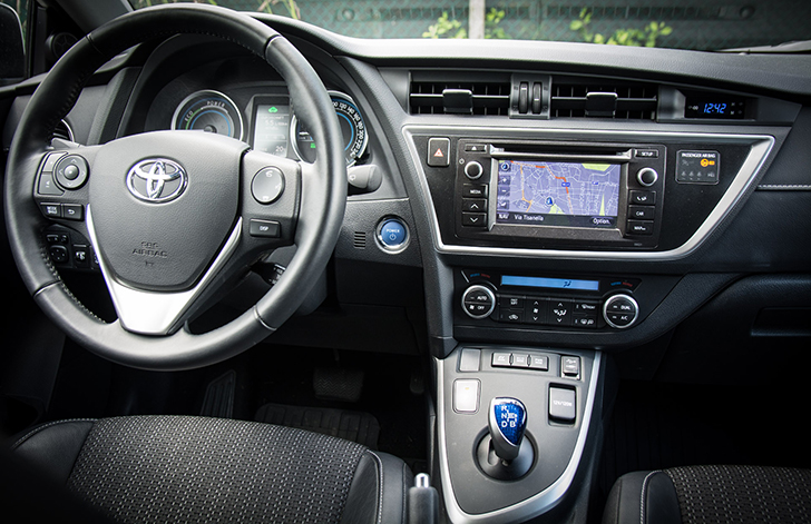 Toyota Auris Lenkrad (c) STADTBEKANNT Adamek