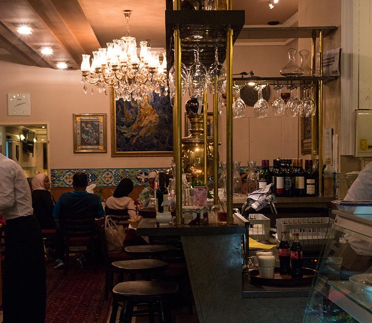 Theke Restaurant Pars (c) STADTBEKANNT Zohmann