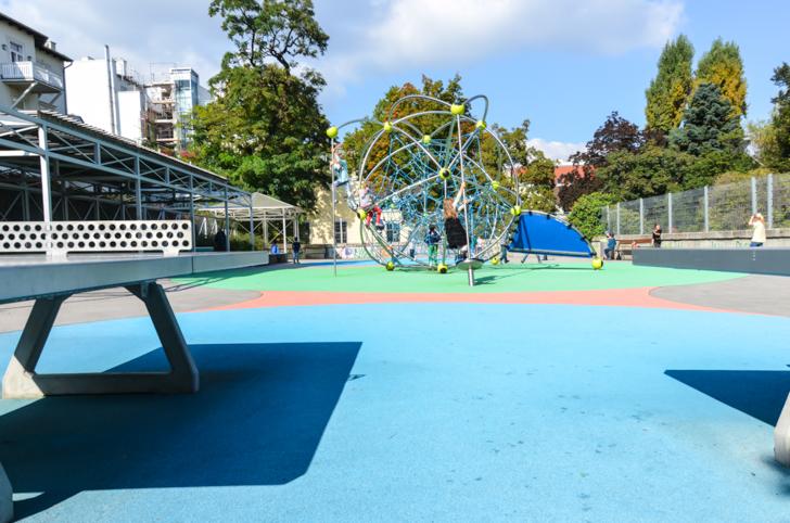 Josefstadt Kinderspielplatz Schönbornpark (c) STADTBEKANNT