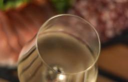 Weinfach Glas (c) STADTBEKANNT