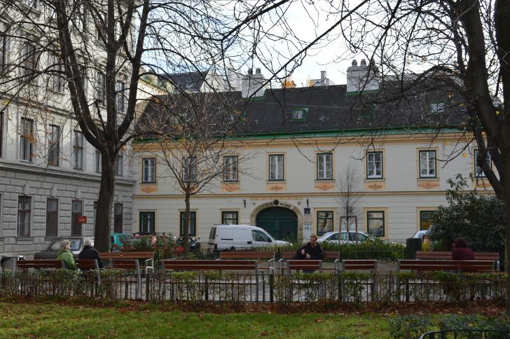 Bennoplatz Josefstadt -c- STADTBEKANNT
