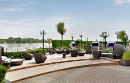 Terrasse (c) Hilton Vienna Danube Waterfront