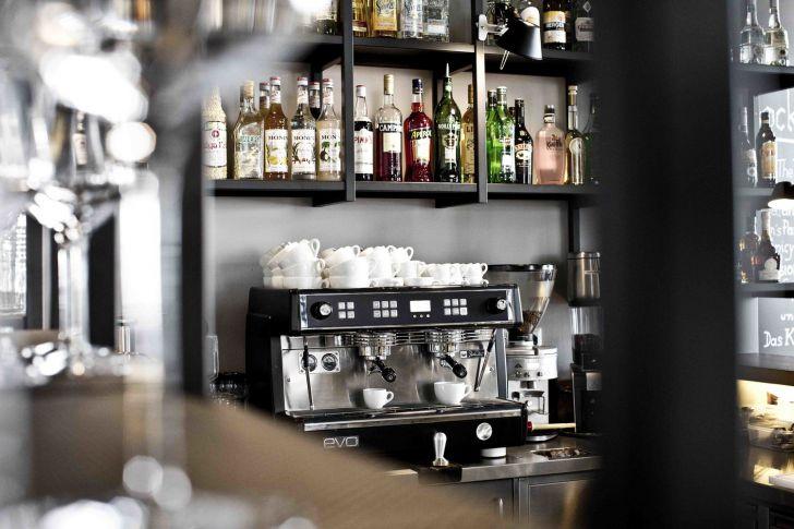 Kaffeemaschine (c) Das Kolin