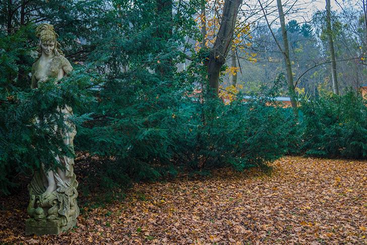 Poetzleinsdorfer Schlosspark Statue (c) STADTBEKANNT