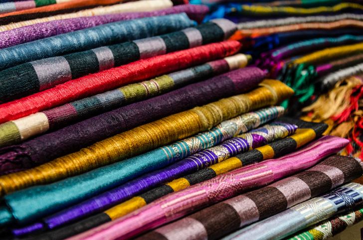 Talking Textiles Schals (c) STADTBEKANNT