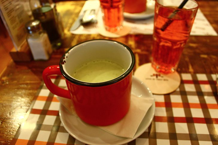 Zinas levantinisches Restaurant Suppe (c) STADTBEKANNT Friedl