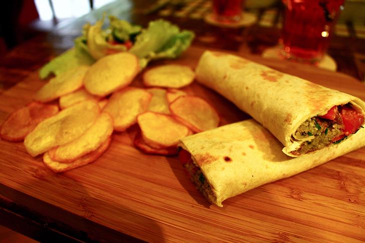 Zinas levantinisches Restaurant Wrap (c) STADTBEKANNT Friedl