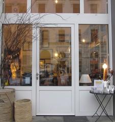 zimmeracht Geschäft Eingang (c) STADTBEKANNT Moser
