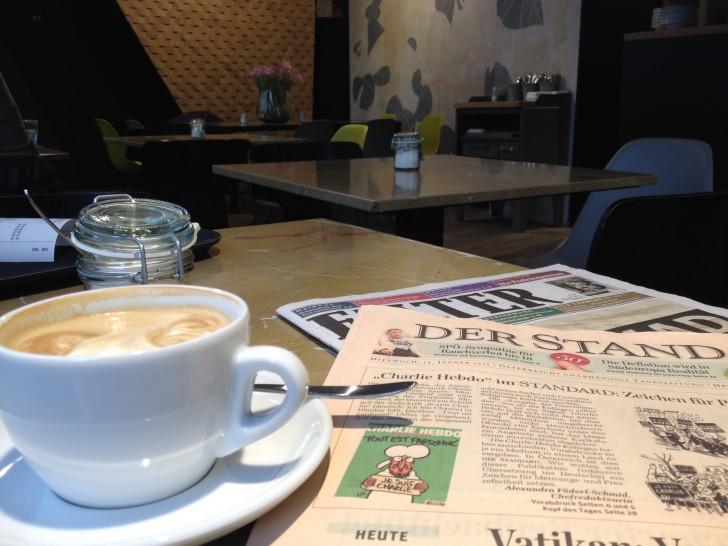 Coffee & Bread Zeitung (c) Hofinger STADTBEKANNT