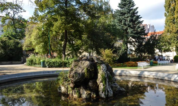 Schönbornpark Teich im Park (c) STADTBEKANNT