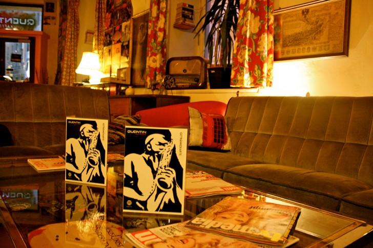 Quentin's Kaffeebar Couch (c) STADTBEKANNT
