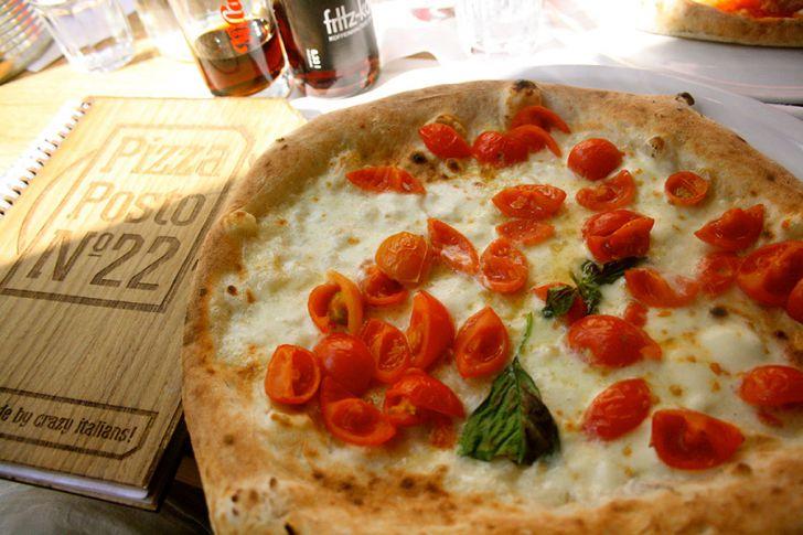 Pizza Posto 22 Pizza (c) STADTBEKANNT