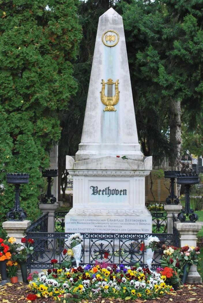 Wiener Zentralfriedhof Beethoven Grab (c) Mautner stadtbekannt