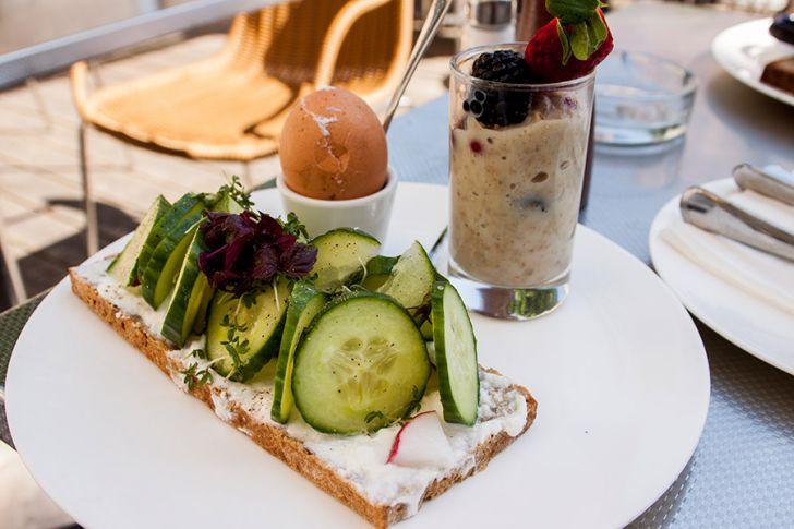 Halle Cafe Restaurant Frühstück Healthy Breaktfast (c) STADTBEKANNT