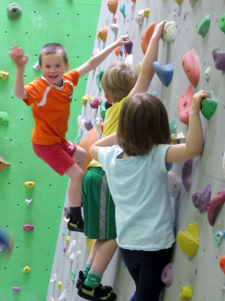 Kletterhalle Marswiese Kinderkurs 1 (c) STADTBEKANNT