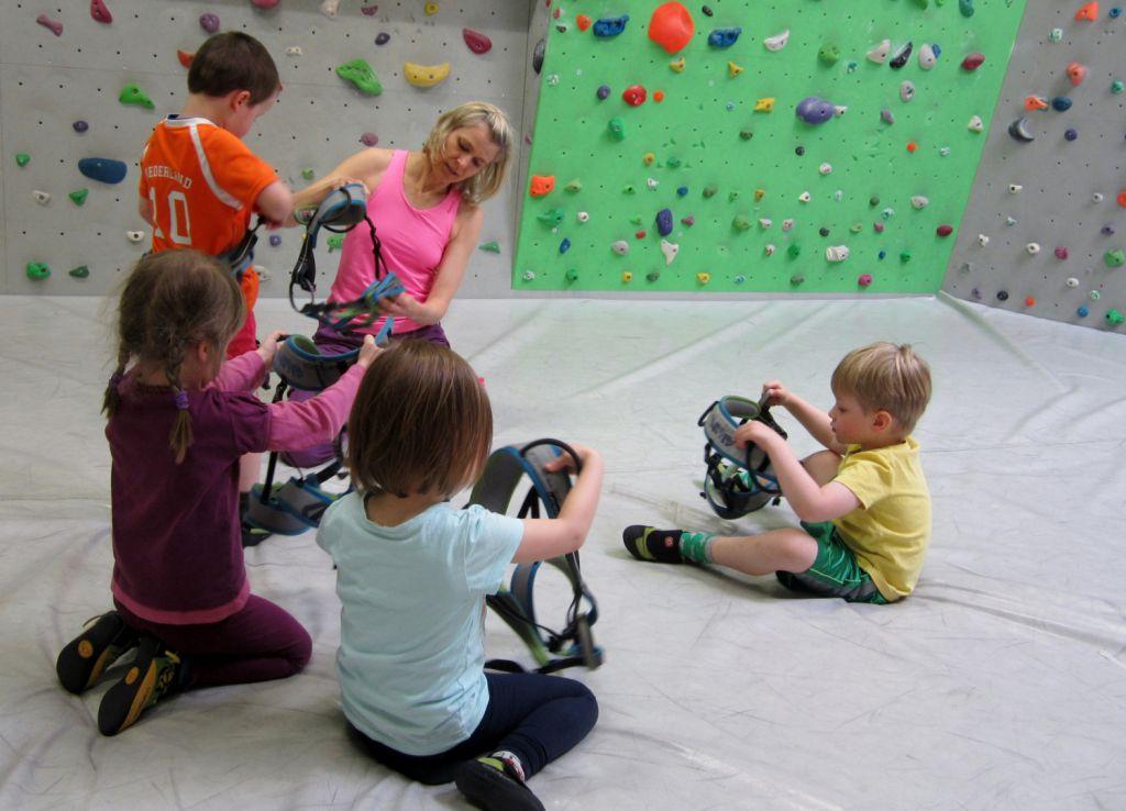 Kletterhalle Marswiese Kinderkurs 2 (c) STADTBEKANNT