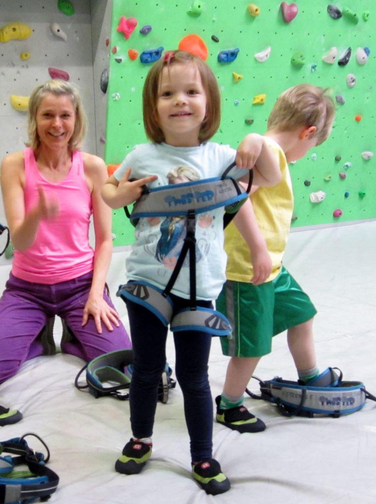 Kletterhalle Marswiese Kinderkurs 3 (c) STADTBEKANNT
